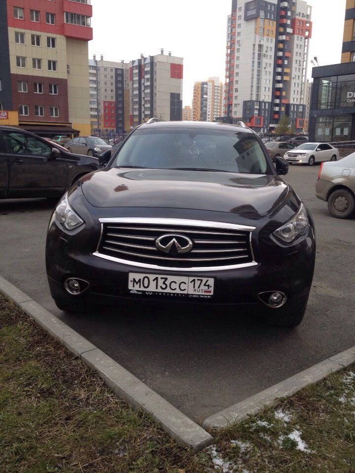 Подержанный Infiniti FX-Series, отличное состояние, черный металлик, 2013 года выпуска, цена 2 100 000 руб. в Челябинской области