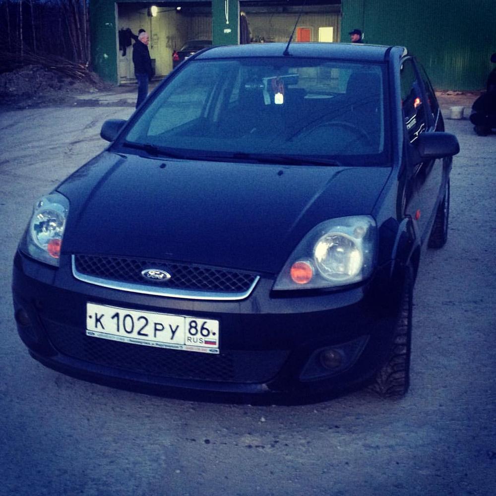Подержанный Ford Fiesta, среднее состояние, черный , 2007 года выпуска, цена 220 000 руб. в ао. Ханты-Мансийском Автономном округе - Югре