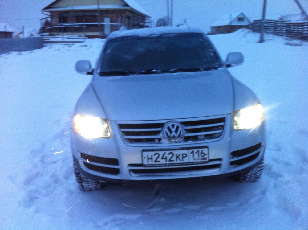 Подержанный Volkswagen Touareg, хорошее состояние, серебряный металлик, 2006 года выпуска, цена 600 000 руб. в республике Татарстане