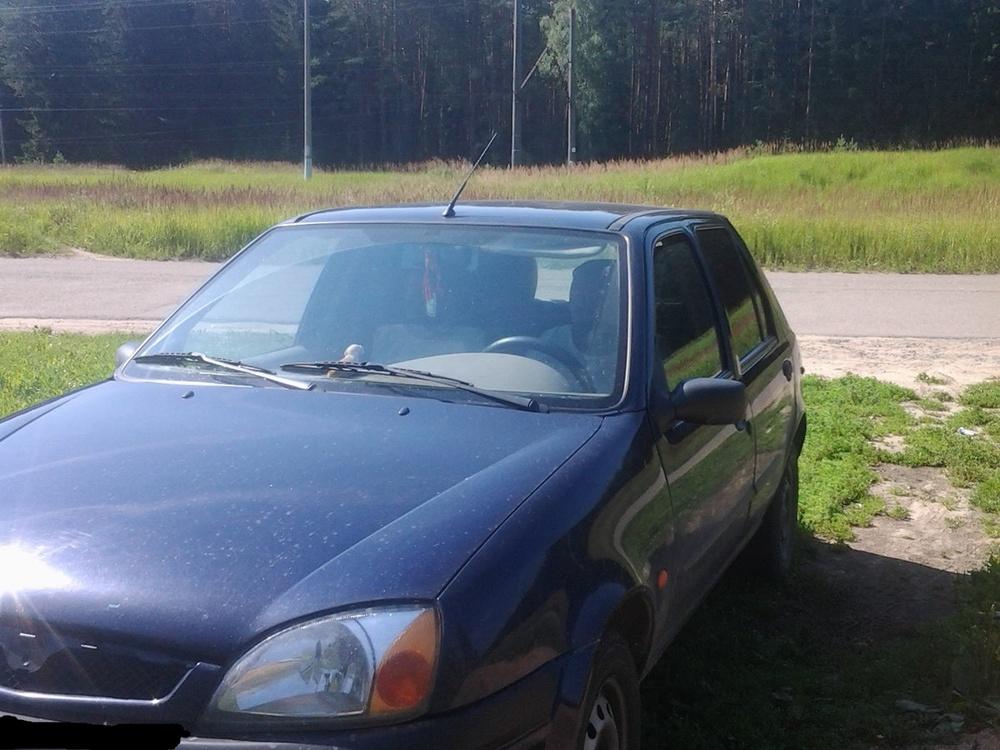 Подержанный Mazda 121, хорошее состояние, синий , 2001 года выпуска, цена 100 000 руб. в Смоленской области