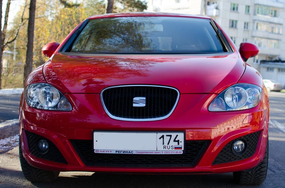 Подержанный SEAT Leon, отличное состояние, красный металлик, 2012 года выпуска, цена 500 000 руб. в Челябинской области