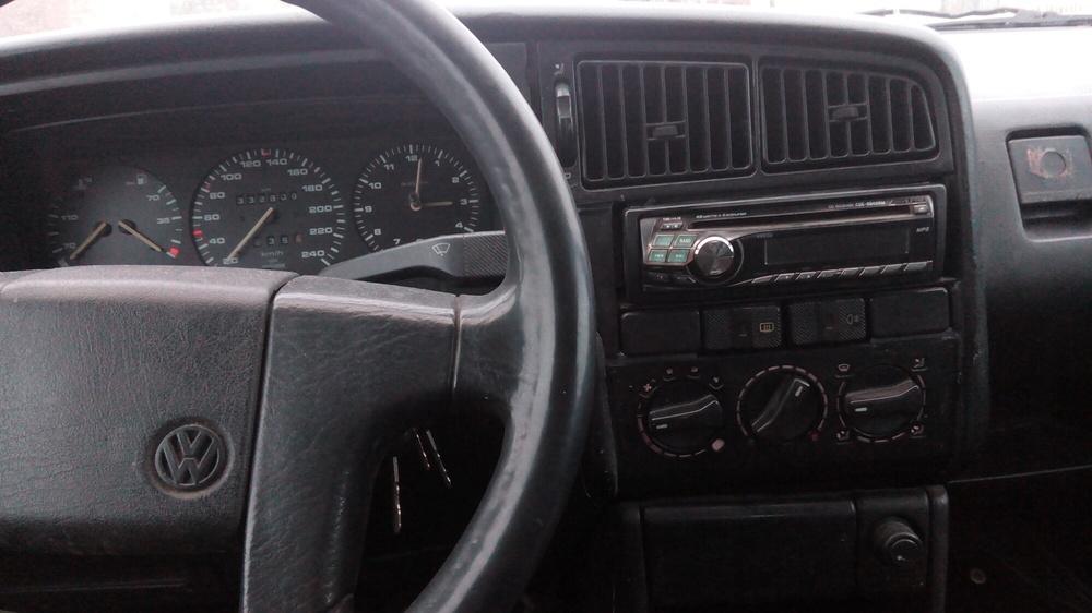 Подержанный Volkswagen Passat, хорошее состояние, серый , 1990 года выпуска, цена 68 000 руб. в Челябинской области