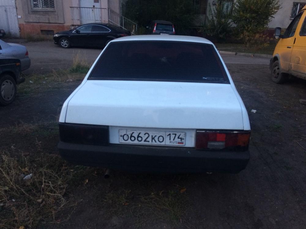 Подержанный ВАЗ (Lada) 2109, хорошее состояние, белый , 2001 года выпуска, цена 40 000 руб. в Челябинской области