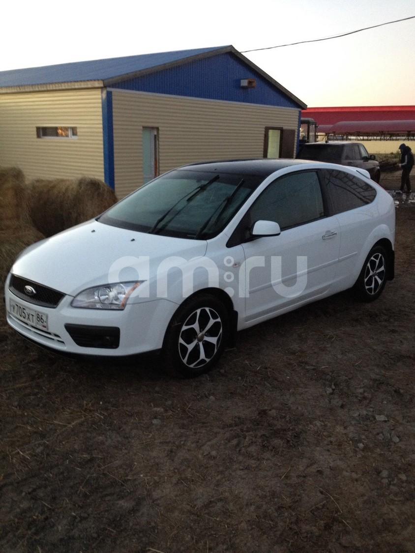 Подержанный Ford Focus, хорошее состояние, белый , 2007 года выпуска, цена 300 000 руб. в ао. Ханты-Мансийском Автономном округе - Югре