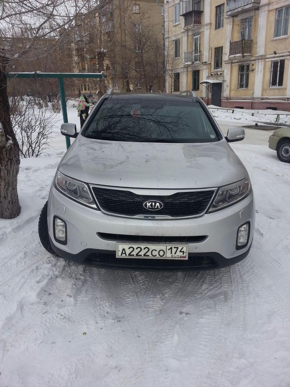 Подержанный Kia Sorento, отличное состояние, серебряный , 2012 года выпуска, цена 1 300 000 руб. в Челябинской области