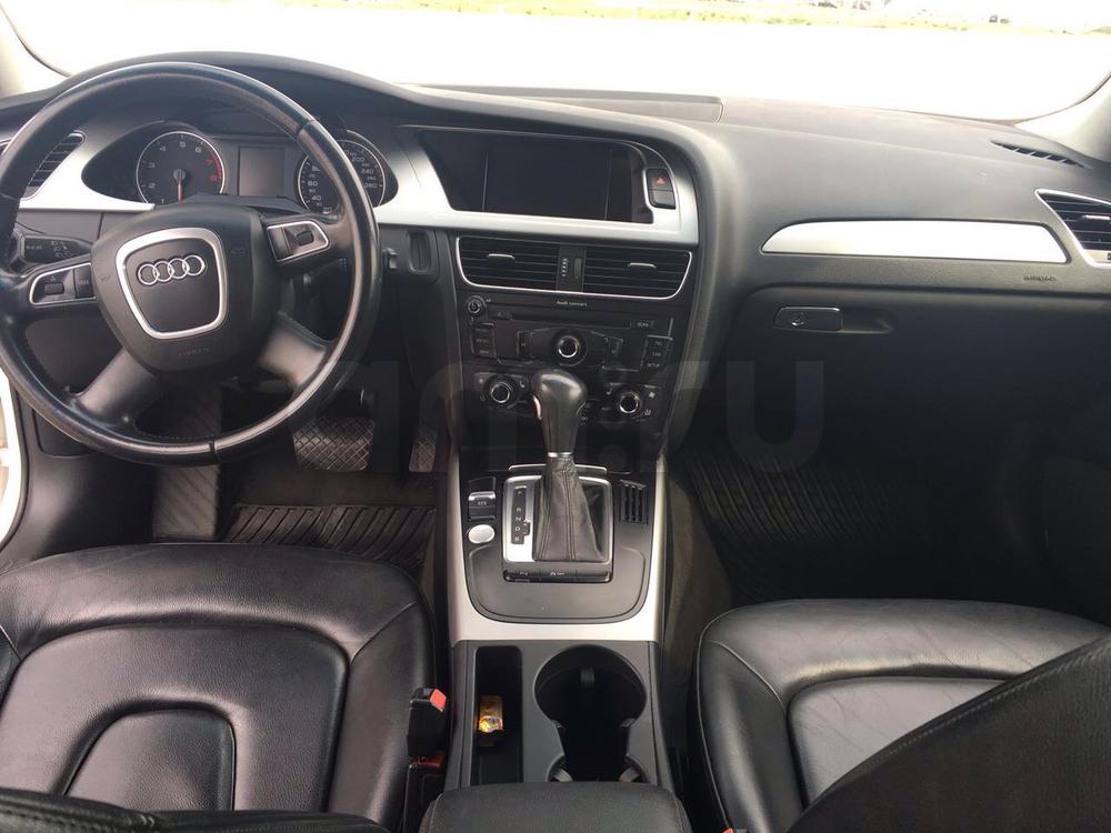 Подержанный Audi A4, хорошее состояние, белый , 2011 года выпуска, цена 820 000 руб. в Челябинской области
