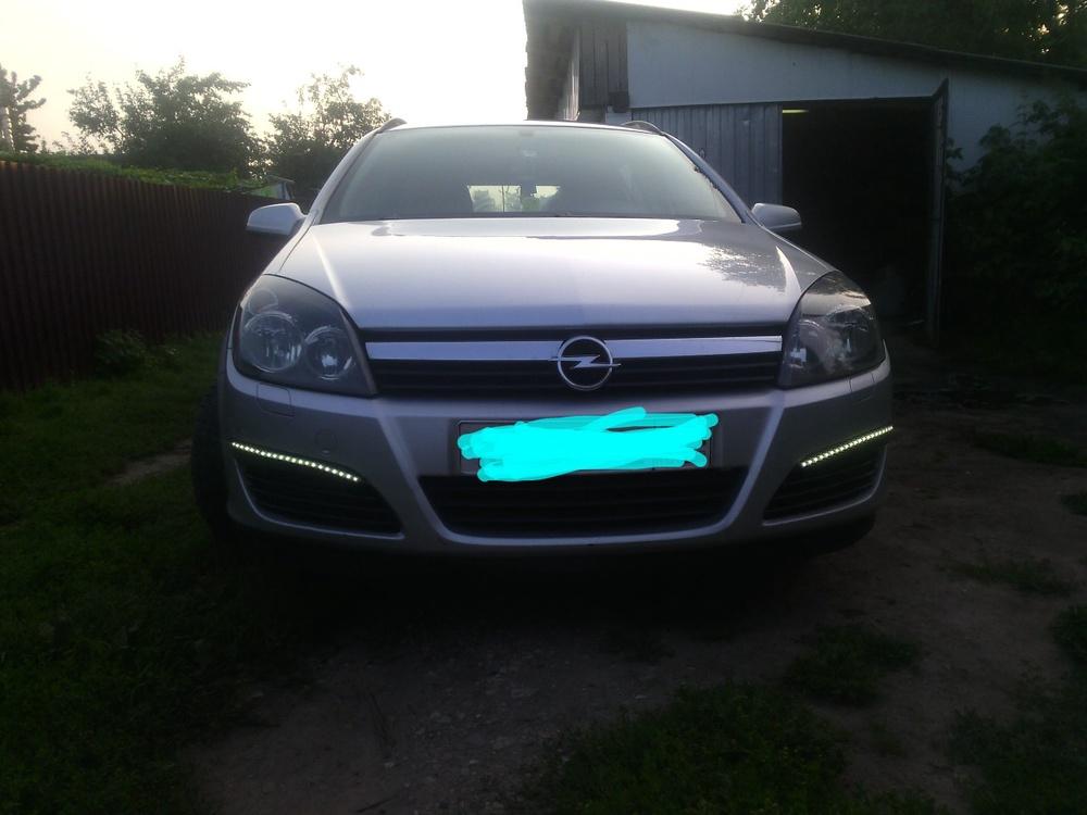 Подержанный Opel Astra, отличное состояние, серебряный , 2006 года выпуска, цена 330 000 руб. в Смоленской области