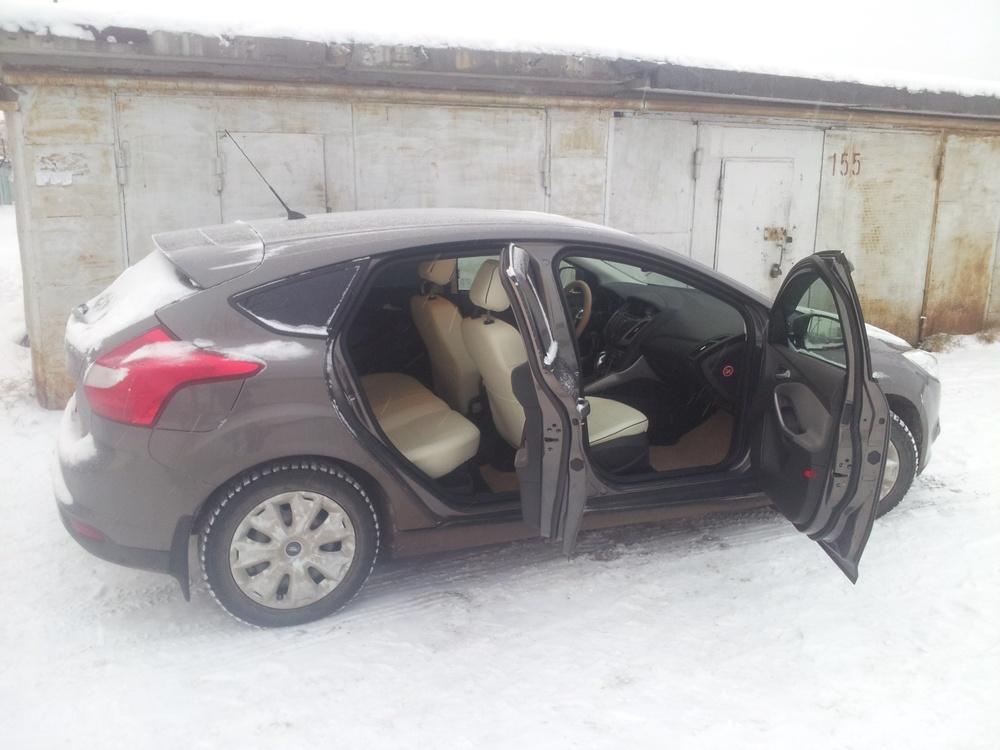 Подержанный Ford Focus, отличное состояние, коричневый , 2012 года выпуска, цена 630 000 руб. в ао. Ханты-Мансийском Автономном округе - Югре