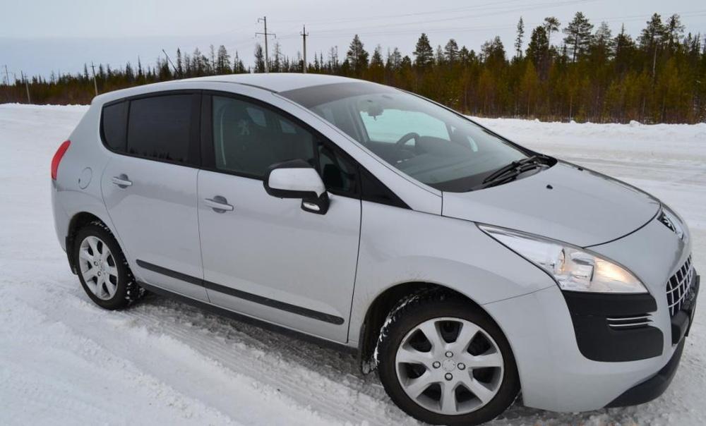 Подержанный Peugeot 3008, хорошее состояние, серебряный металлик, 2011 года выпуска, цена 450 000 руб. в ао. Ханты-Мансийском Автономном округе - Югре
