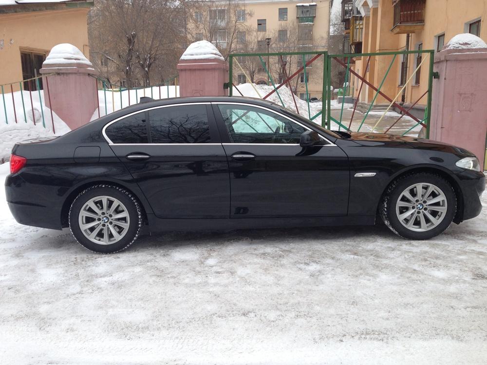 Подержанный BMW 5 серия, отличное состояние, черный металлик, 2012 года выпуска, цена 1 380 000 руб. в Челябинской области