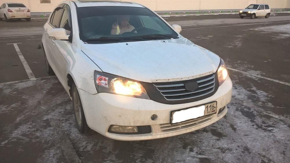 Подержанный Geely Emgrand, хорошее состояние, белый , 2013 года выпуска, цена 330 000 руб. в республике Татарстане