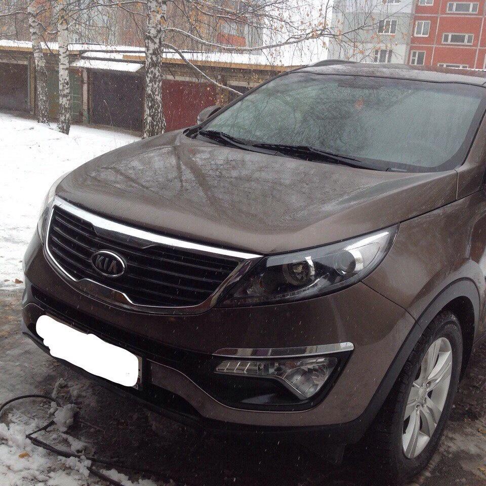 Подержанный Kia Sportage, отличное состояние, коричневый , 2012 года выпуска, цена 890 000 руб. в Челябинской области