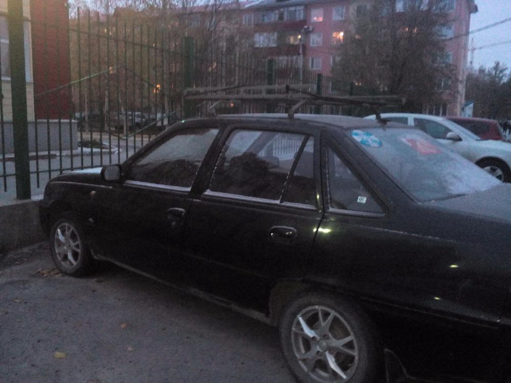 Подержанный Daewoo Nexia, отличное состояние, черный , 2010 года выпуска, цена 80 000 руб. в ао. Ханты-Мансийском Автономном округе - Югре