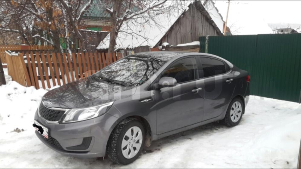 Подержанный Kia Rio, хорошее состояние, серый , 2014 года выпуска, цена 475 000 руб. в Челябинской области