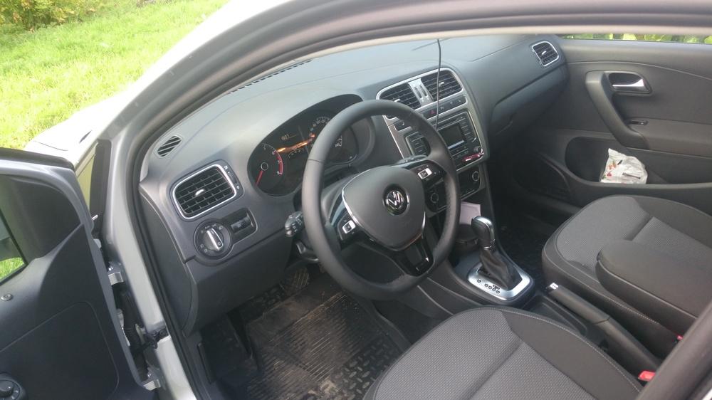 Подержанный Volkswagen Polo, отличное состояние, серебряный металлик, 2016 года выпуска, цена 750 000 руб. в Смоленской области