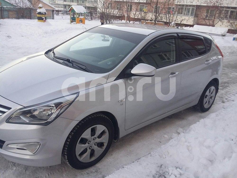 Подержанный Hyundai Solaris, отличное состояние, серебряный , 2015 года выпуска, цена 670 000 руб. в Челябинской области