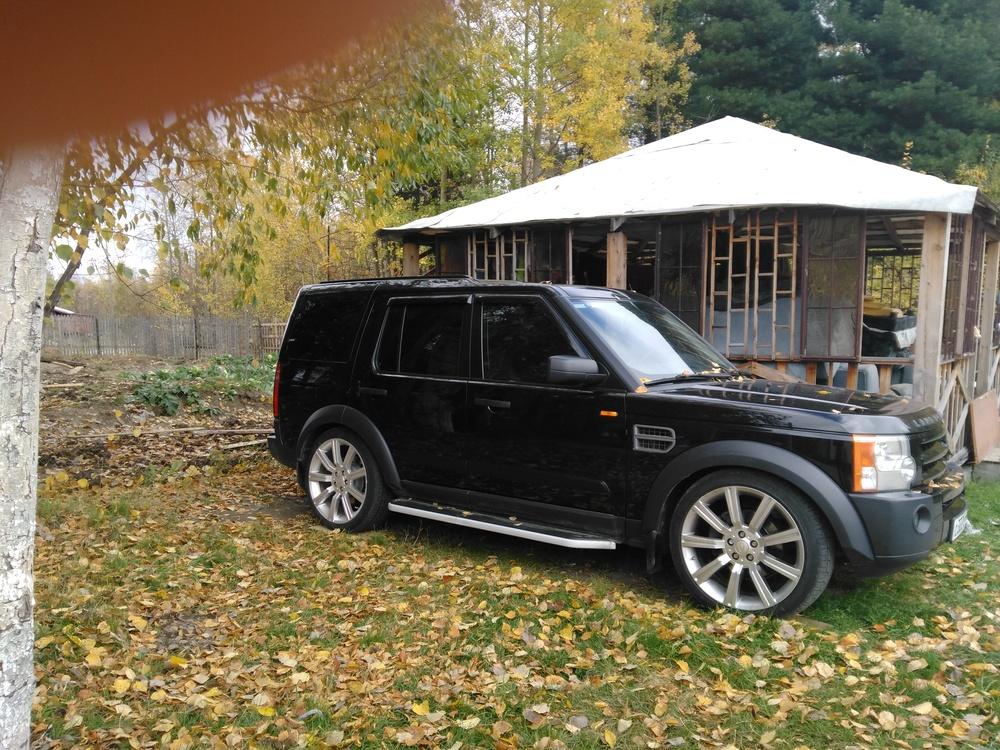 Подержанный Land Rover Discovery, отличное состояние, черный металлик, 2007 года выпуска, цена 1 000 000 руб. в ао. Ханты-Мансийском Автономном округе - Югре