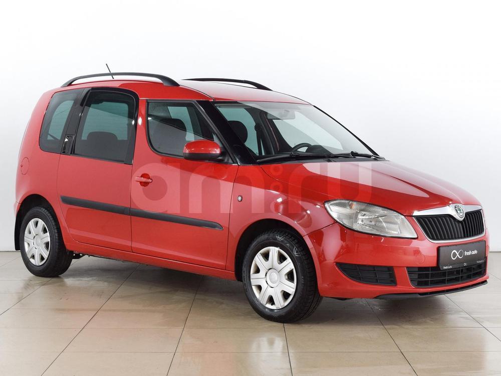 Skoda Roomster с пробегом, красный , отличное состояние, 2011 года выпуска, цена 419 000 руб. в автосалоне  ()