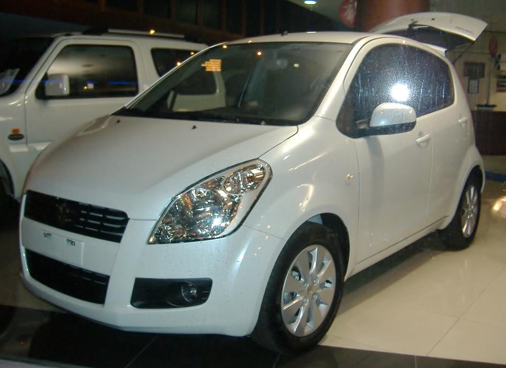 Подержанный Suzuki Splash, отличное состояние, белый перламутр, 2012 года выпуска, цена 450 000 руб. в республике Татарстане