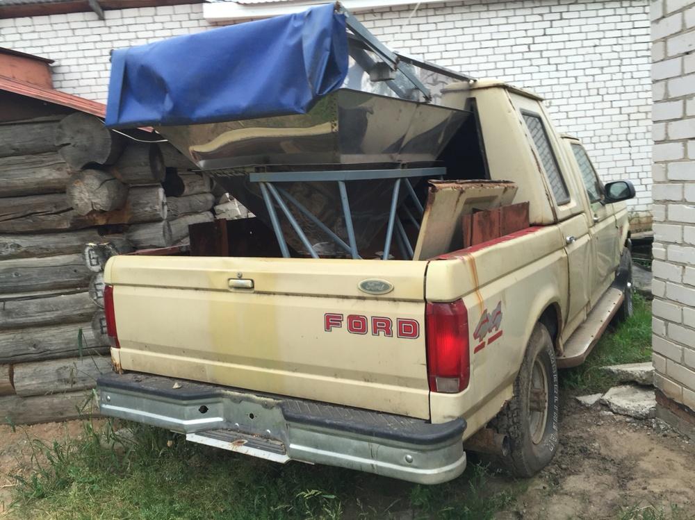 Подержанный Ford F-250, среднее состояние, желтый , 1999 года выпуска, цена 230 000 руб. в республике Татарстане