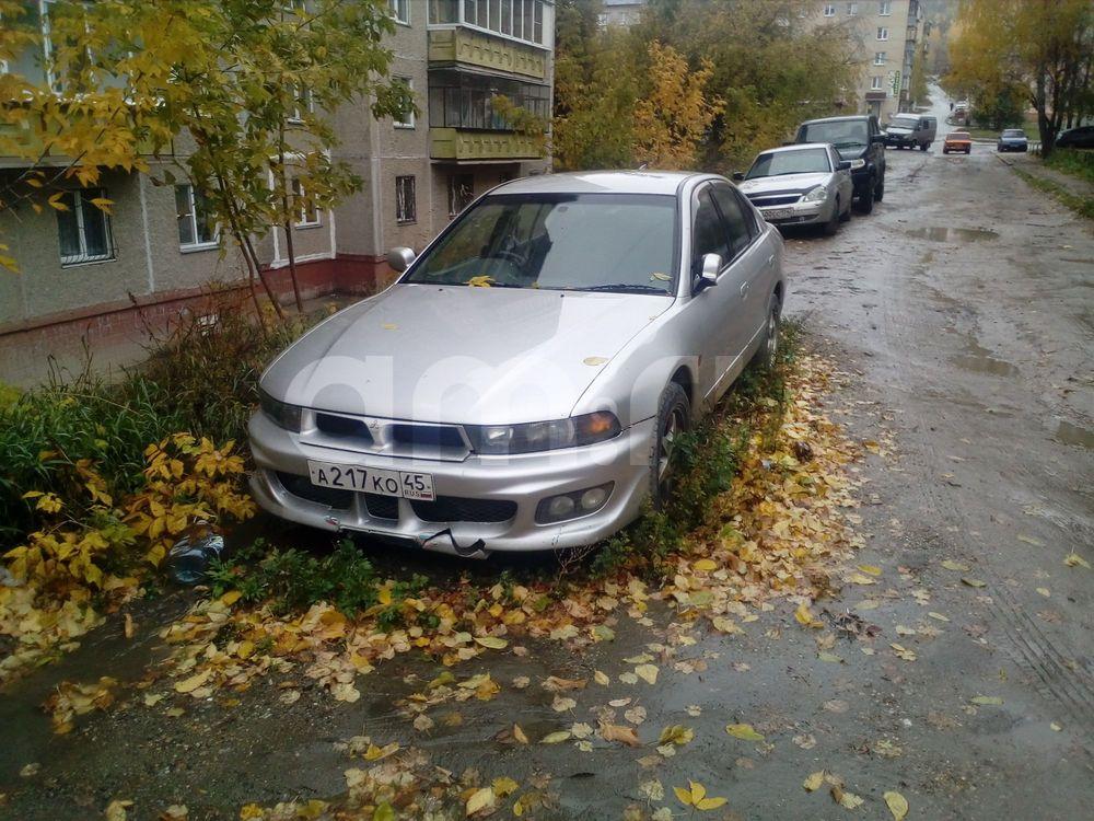Подержанный Mitsubishi Galant, среднее состояние, серебряный , 2002 года выпуска, цена 200 000 руб. в Челябинской области