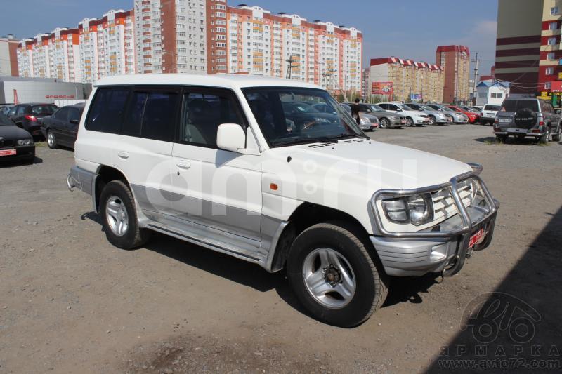 Mitsubishi Pajero с пробегом, белый , отличное состояние, 1999 года выпуска, цена 465 000 руб. в автосалоне  ()
