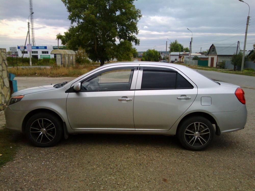 Подержанный Geely GC6, отличное состояние, серебряный металлик, 2014 года выпуска, цена 375 000 руб. в республике Татарстане