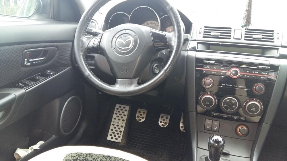 Подержанный Mazda 3, отличное состояние, белый перламутр, 2008 года выпуска, цена 395 000 руб. в ао. Ханты-Мансийском Автономном округе - Югре