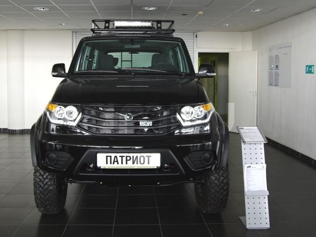 Новый авто УАЗ Patriot, черный , 2016 года выпуска, цена 938 260 руб. в автосалоне  ()