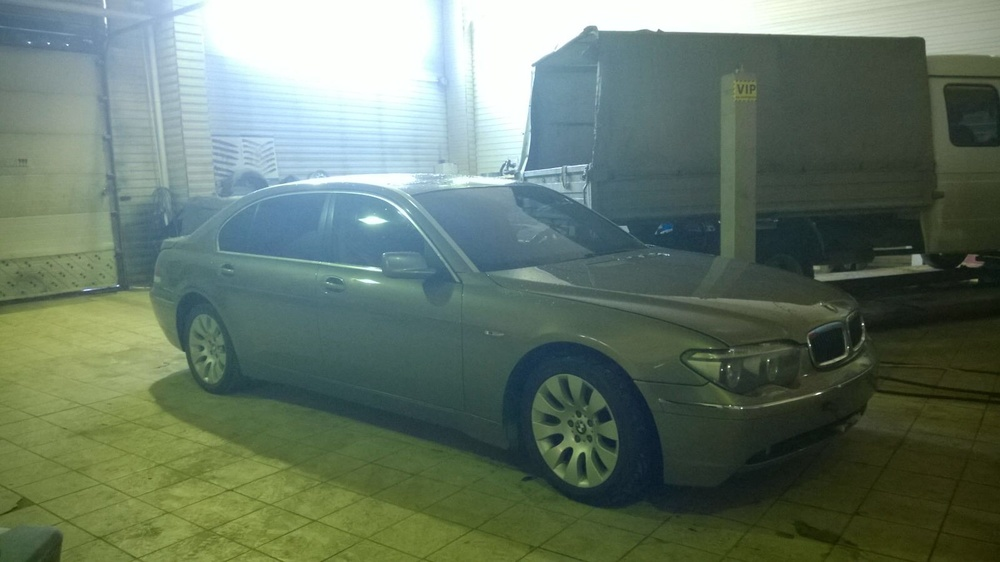 Подержанный BMW 7 серия, хорошее состояние, коричневый , 2003 года выпуска, цена 300 000 руб. в ао. Ханты-Мансийском Автономном округе - Югре