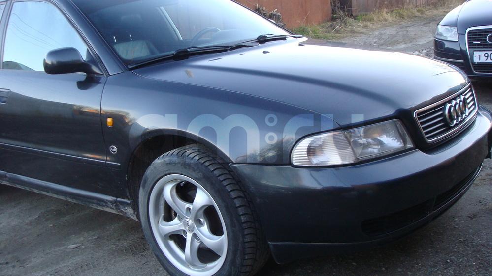 Подержанный Audi A4, отличное состояние, черный металлик, 1998 года выпуска, цена 325 000 руб. в ао. Ханты-Мансийском Автономном округе - Югре