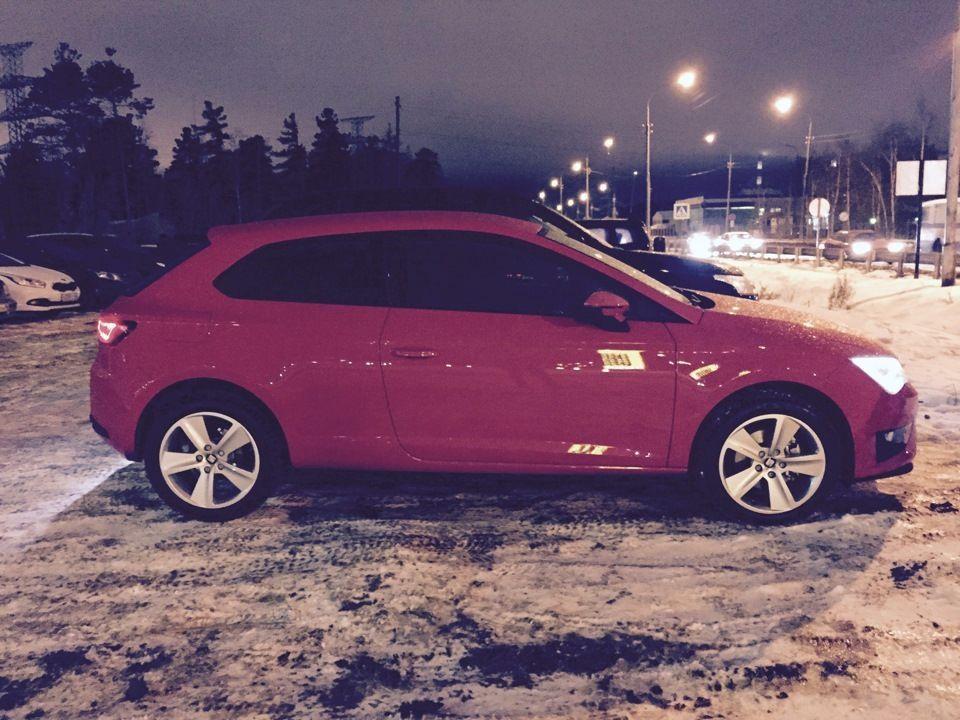 Подержанный SEAT Leon, отличное состояние, красный , 2014 года выпуска, цена 800 000 руб. в ао. Ханты-Мансийском Автономном округе - Югре