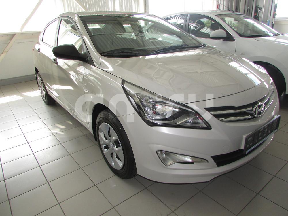 Hyundai Solaris с пробегом, белый , отличное состояние, 2016 года выпуска, цена 676 000 руб. в автосалоне ОЗОН АВТО (Ростов-на-Дону, ул. Вавилова, д. 67В)