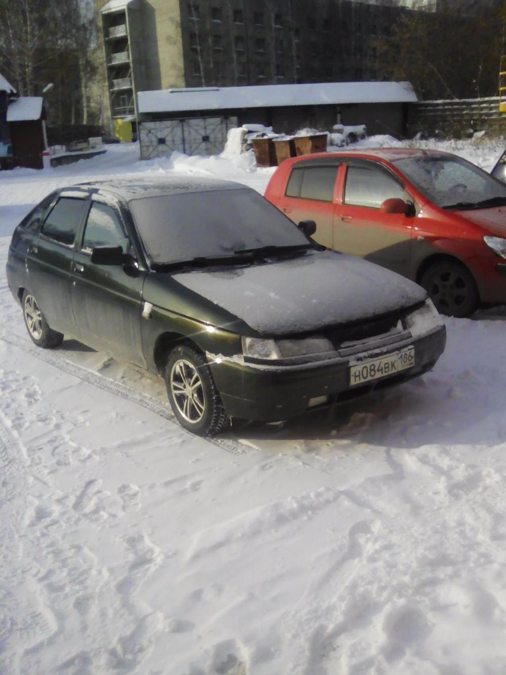 Подержанный ВАЗ (Lada) 2112, хорошее состояние, зеленый металлик, 2005 года выпуска, цена 130 000 руб. в ао. Ханты-Мансийском Автономном округе - Югре
