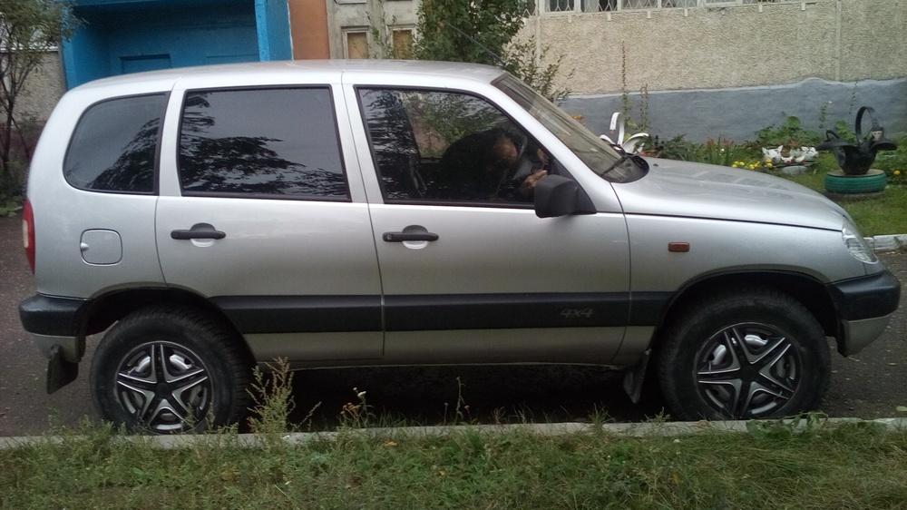 Подержанный Chevrolet Niva, хорошее состояние, серебряный , 2008 года выпуска, цена 230 000 руб. в республике Татарстане
