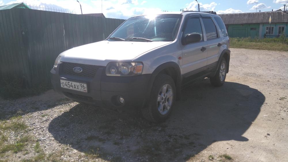 Подержанный Ford Maverick, хорошее состояние, серый металлик, 2004 года выпуска, цена 400 000 руб. в ао. Ханты-Мансийском Автономном округе - Югре