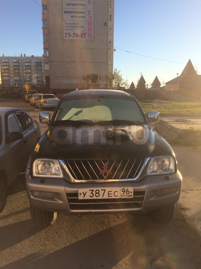 Подержанный Mitsubishi L200, хорошее состояние, зеленый металлик, 2004 года выпуска, цена 360 000 руб. в ао. Ханты-Мансийском Автономном округе - Югре