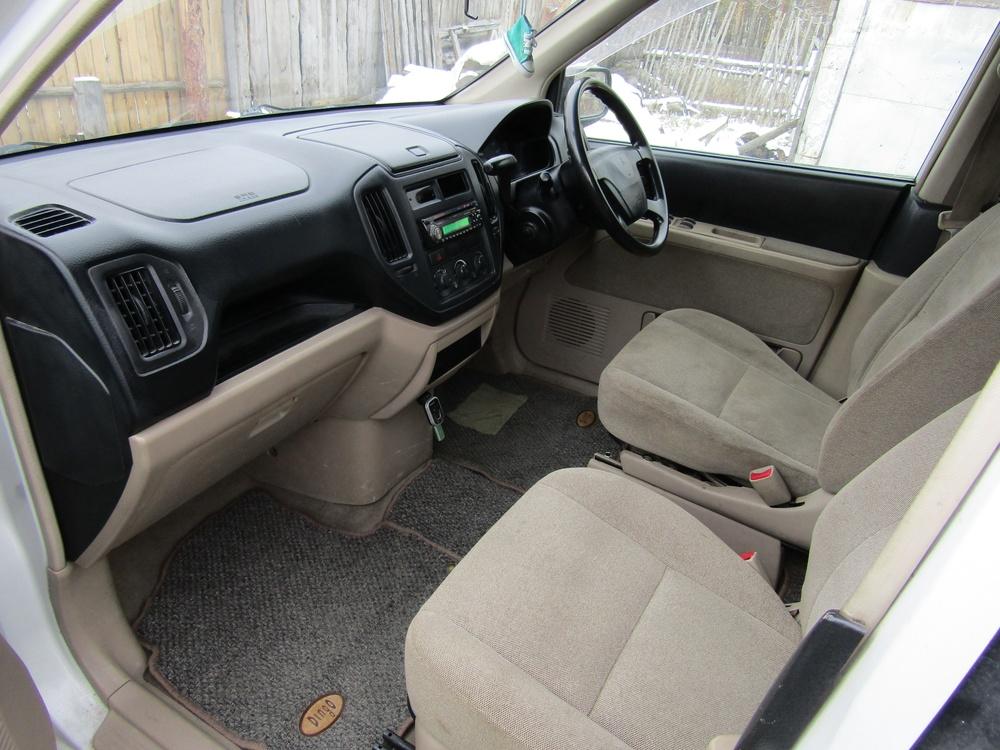 Подержанный Mitsubishi Dingo, среднее состояние, белый , 1999 года выпуска, цена 125 000 руб. в Челябинской области