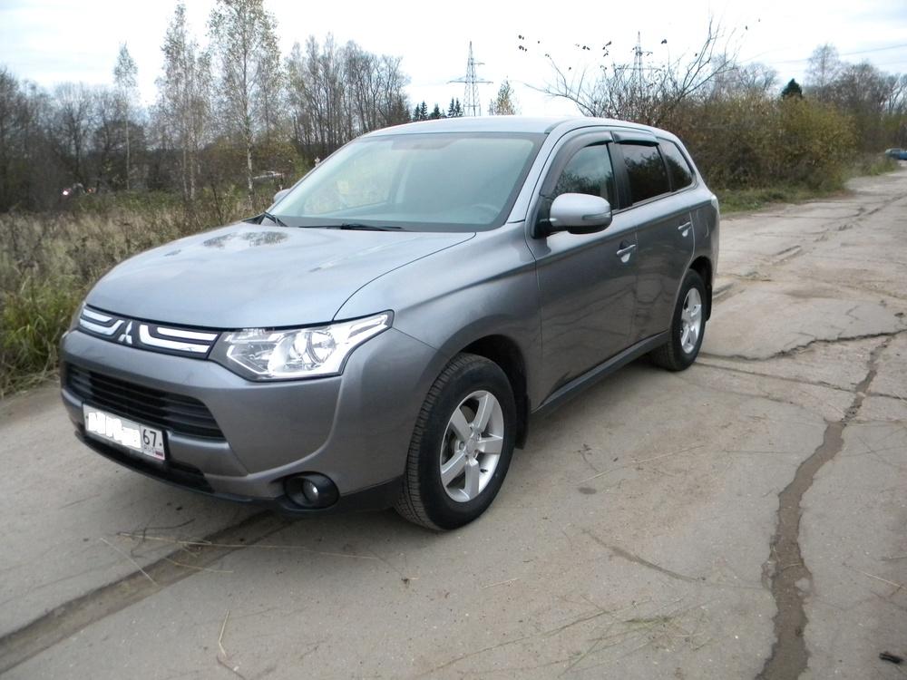 Подержанный Mitsubishi Outlander, отличное состояние, серый , 2013 года выпуска, цена 1 070 000 руб. в Смоленской области