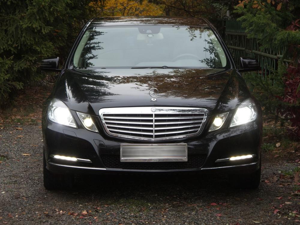 Подержанный Mercedes-Benz E-Класс, отличное состояние, черный металлик, 2012 года выпуска, цена 1 300 000 руб. в Челябинской области