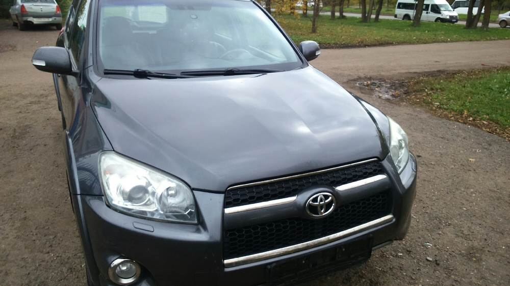 Подержанный Toyota RAV4, хорошее состояние, серый металлик, 2010 года выпуска, цена 880 000 руб. в республике Татарстане