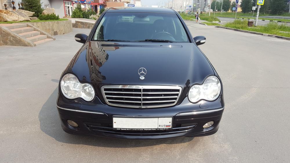 Подержанный Mercedes-Benz C-Класс, хорошее состояние, черный , 2005 года выпуска, цена 529 000 руб. в ао. Ханты-Мансийском Автономном округе - Югре