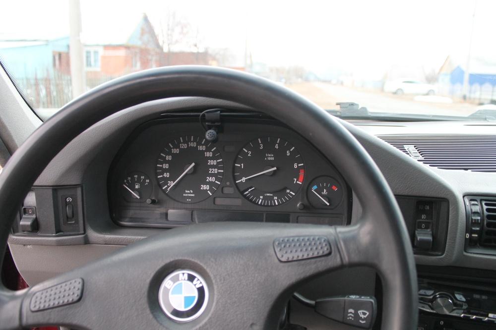 Подержанный BMW 5 серия, плохое состояние, красный , 1991 года выпуска, цена 70 000 руб. в ао. Ханты-Мансийском Автономном округе - Югре