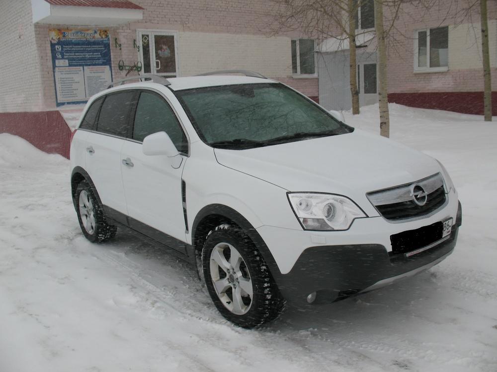 Подержанный Opel Antara, хорошее состояние, белый , 2011 года выпуска, цена 730 000 руб. в ао. Ханты-Мансийском Автономном округе - Югре