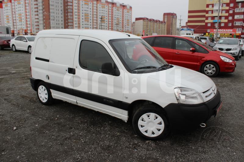 Citroen Berlingo с пробегом, белый , хорошее состояние, 2011 года выпуска, цена 265 000 руб. в автосалоне  ()