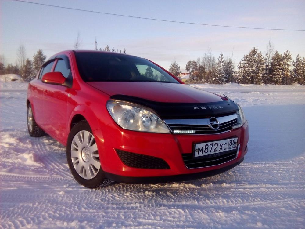 Подержанный Opel Astra, отличное состояние, красный , 2010 года выпуска, цена 440 000 руб. в ао. Ханты-Мансийском Автономном округе - Югре