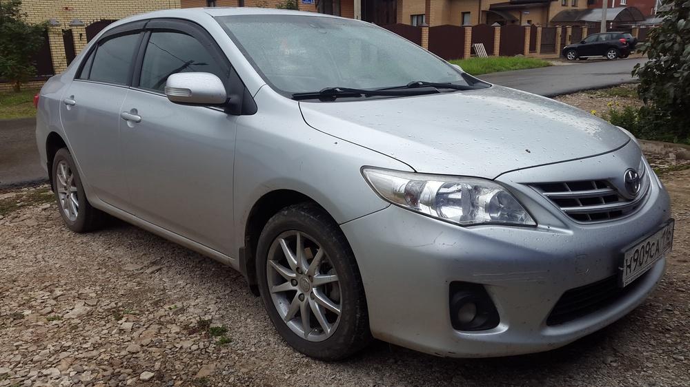Подержанный Toyota Corolla, хорошее состояние, серебряный , 2011 года выпуска, цена 590 000 руб. в республике Татарстане