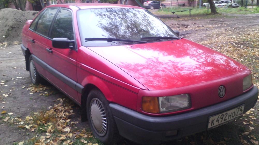 Подержанный Volkswagen Passat, отличное состояние, красный , 1991 года выпуска, цена 105 000 руб. в Челябинской области