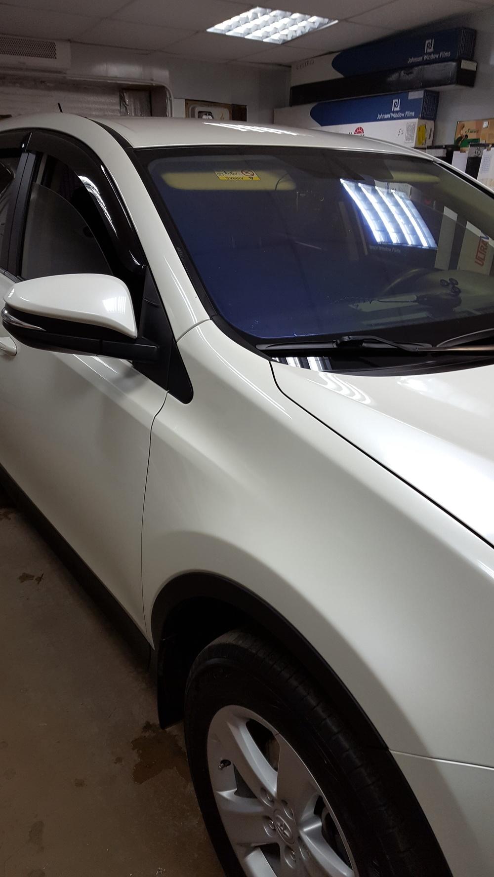 Подержанный Toyota RAV4, отличное состояние, белый перламутр, 2013 года выпуска, цена 1 150 000 руб. в Челябинской области