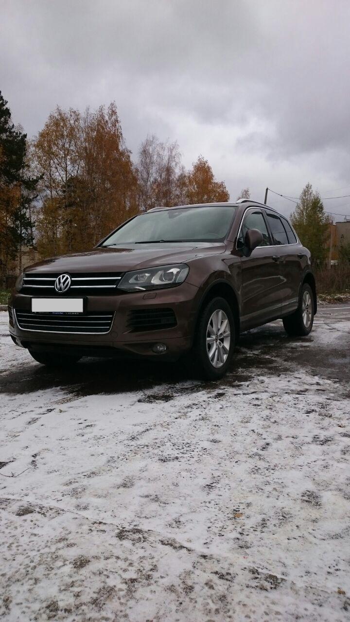Подержанный Volkswagen Touareg, отличное состояние, коричневый , 2013 года выпуска, цена 2 000 000 руб. в Челябинской области